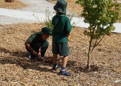 Kids_Gardening_04